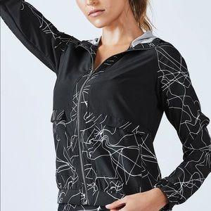 fabletics jiae windbreaker jacket size medium